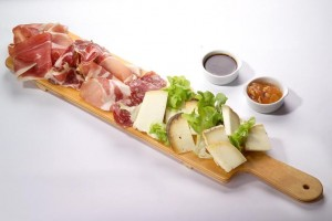abbinamenti-salami-vino-pane